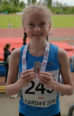 U13 girls 800m East Wales