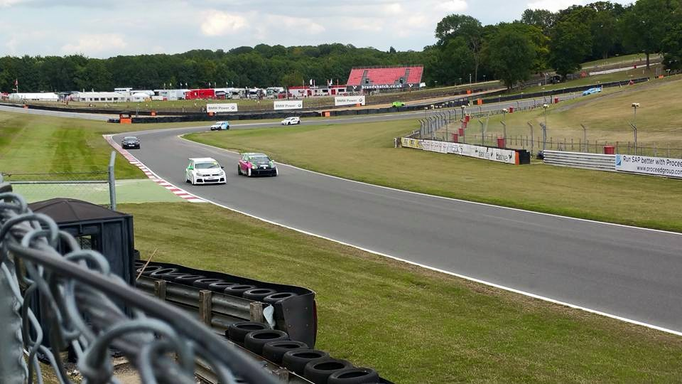 THM Racing - wheel to wheel at Brands Hatch 2015