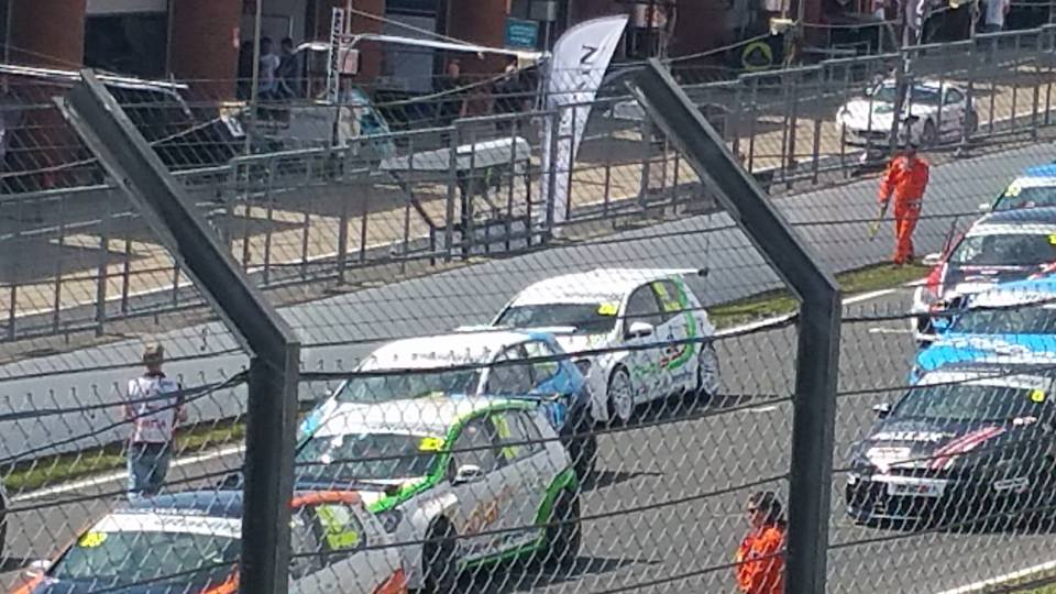 THM Racing - starting P7 at Brands Hatch 2015