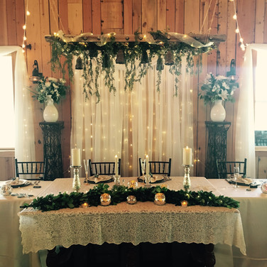 Head Table by Garland and Lace
