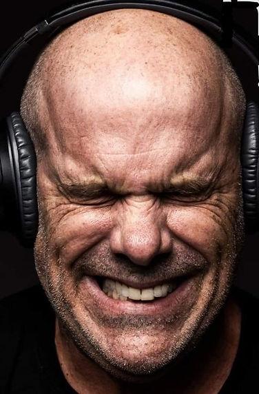 תורן אוזניות.jpg
