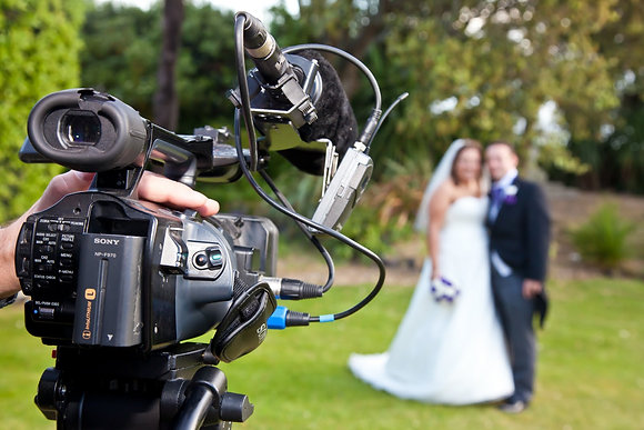Weddings Gold 1 Camera