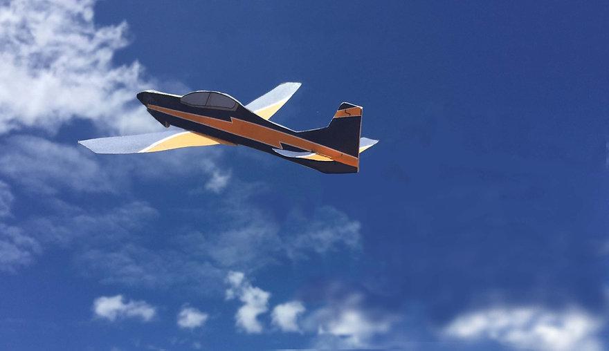 Embraer Tucano de aviao de papel.