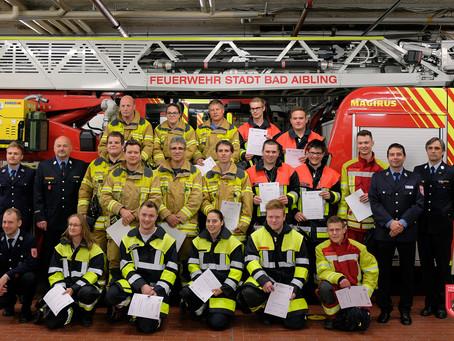 Sieben neue Atemschutzgeräteträger für die Feuerwehr Bad Aibling
