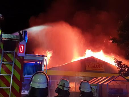 Brand eines Supermarktes in Großkarolinenfeld