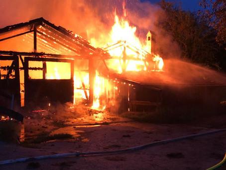 Brand eines Landwirtschaftlichen Anwesens in Au