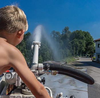 Ferienprogramm zu Gast bei der Feuerwehr