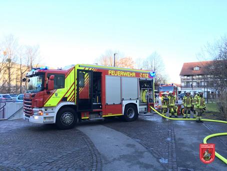 Feuer im Seniorenheim und Nachschau nach Rauchmelderalarm in der Sperlallee