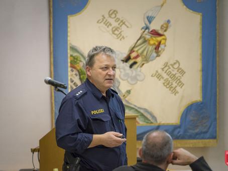 Blaulichtunterweisung für die Feuerwehren der Stadt Bad Aibling