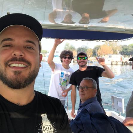 Sempre in barca, sempre in compagnia