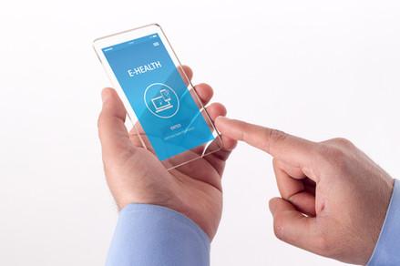 E-HEALTH CONCEPT ON SCREEN