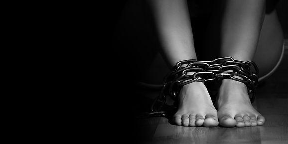 SAFE_HumanTrafficking_Chains 01.jpg