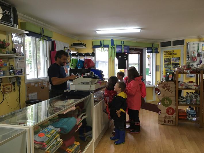 Dépanneur + boutique animaux