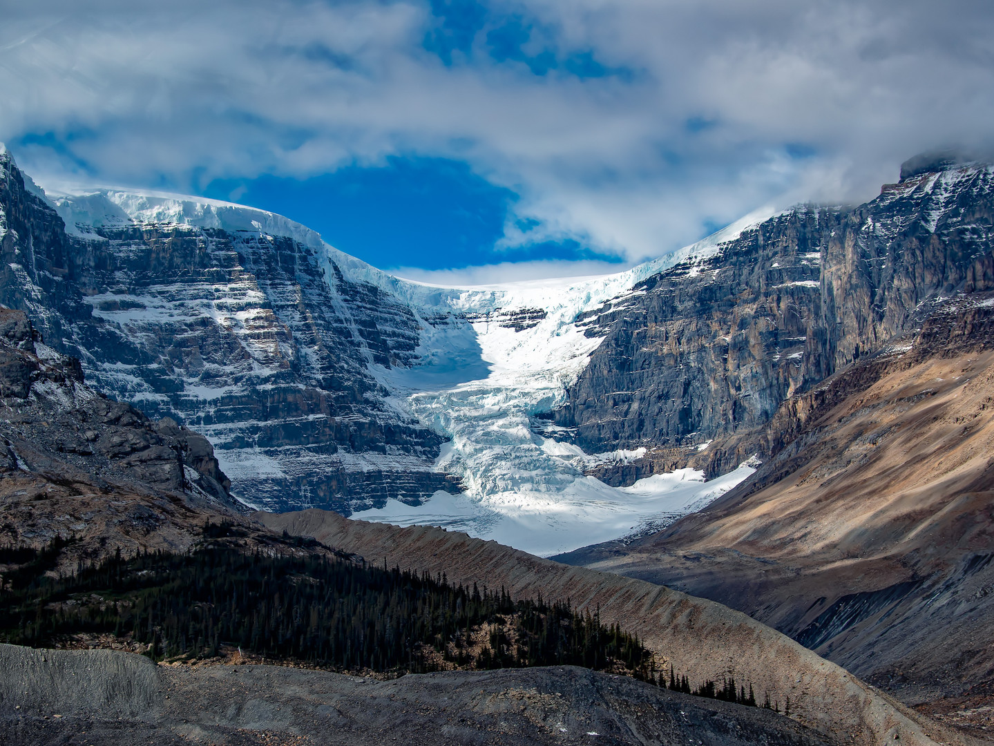 Athabasca Glacier, Columbia Icefields.jp