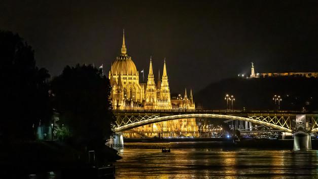 Margaret Arch Bridge, Budapest.jpg