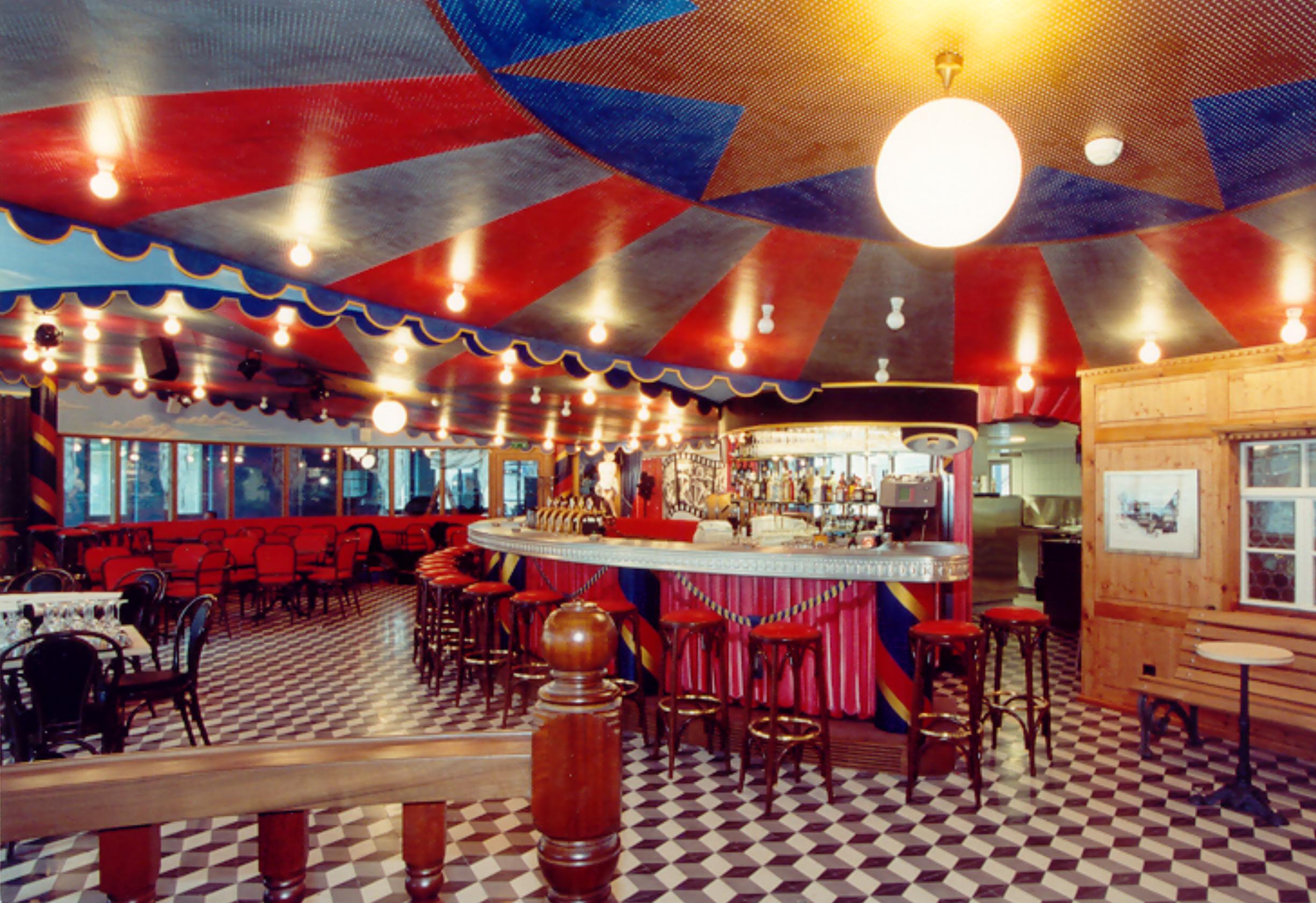 Restaurant 2000
