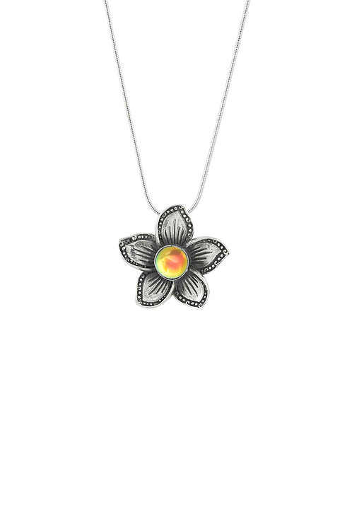 Geranium | White Gold Plated Necklace | Flowers Collection
