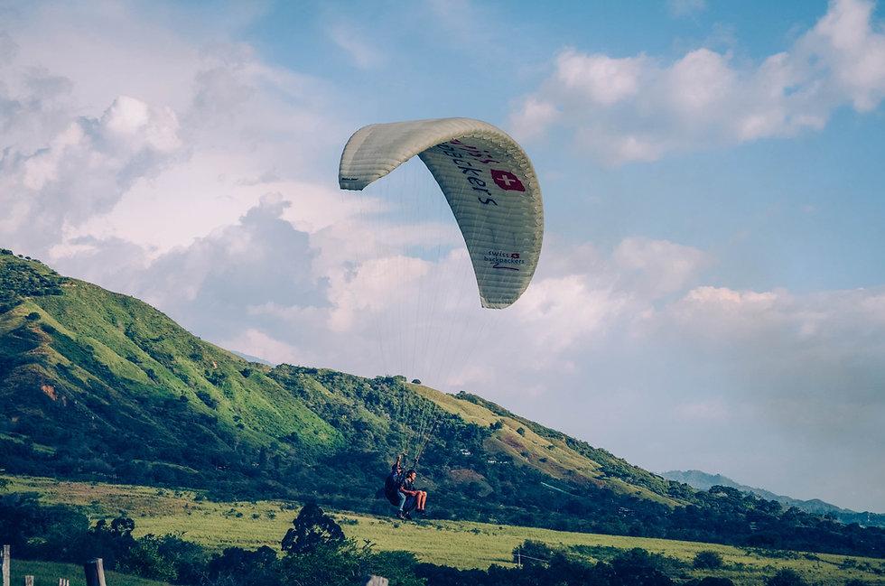 Parachutisme dans la nature