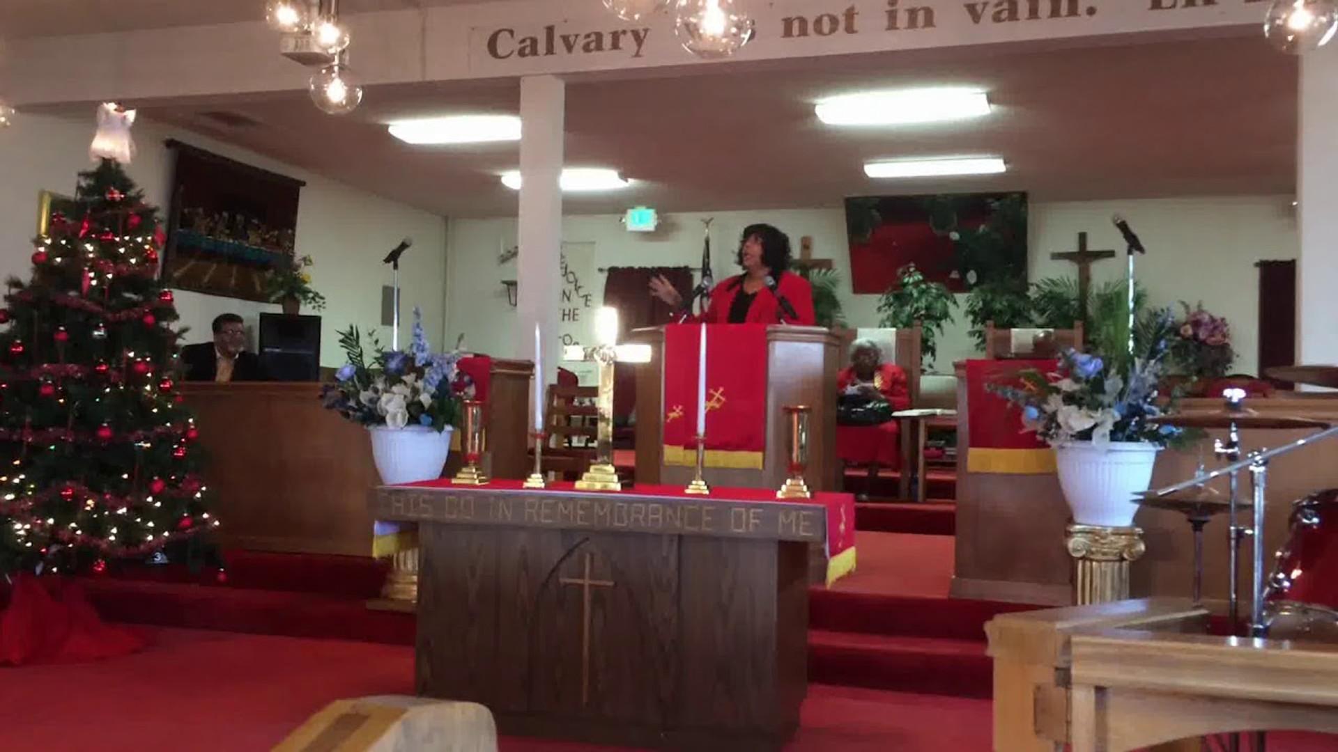 Pastor Lisa Macklin