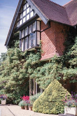 Grims Dyke Hotel 4-3.jpg
