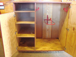 Individual tack boxes with ample storage and saddle racks
