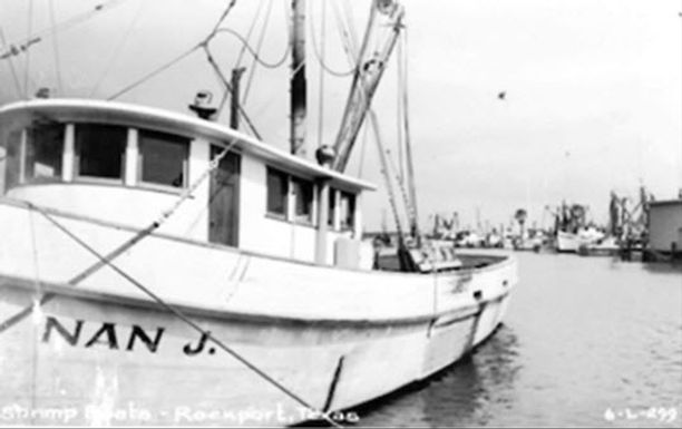 What food-related businesses did early entrepreneurs create in Aransas County?