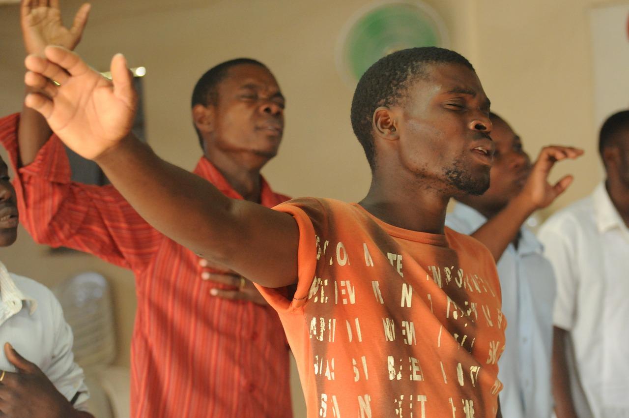 BLACK MEN PRAISING GOD