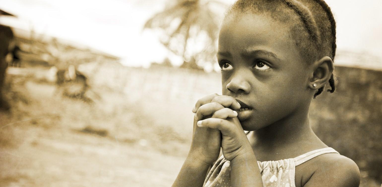haitian-child-praying