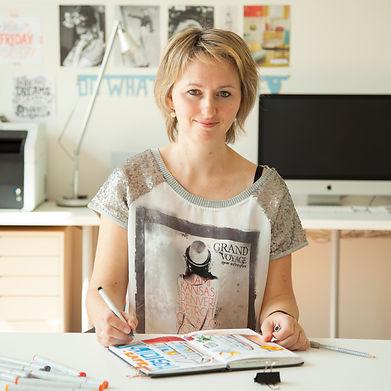 Julia Henze profile photo | Skillshare top teacher