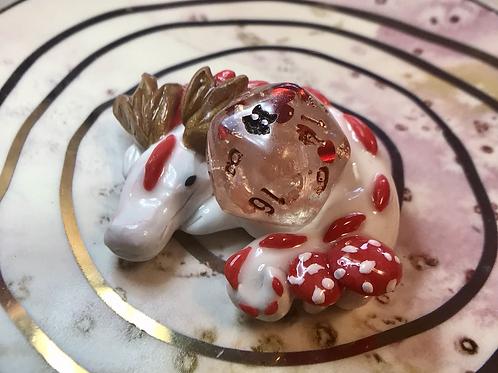 Sleepy Dice Dragon - white/red/copper