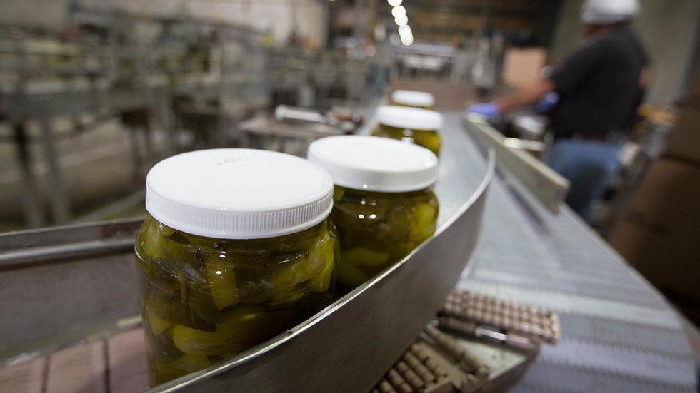 Pickle Spears 64 oz Jars