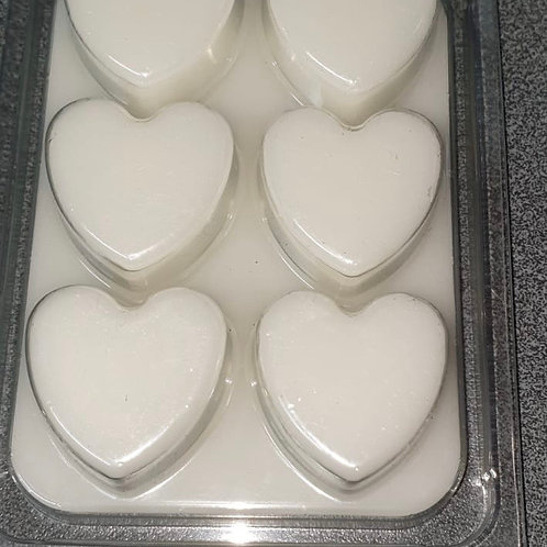 Wax Melts in Heart Clamshells