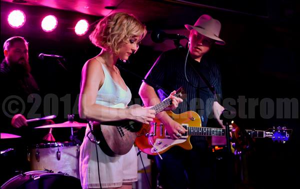 Amanda Shires joined by Jason Isbell