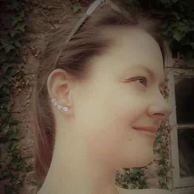 Ear climber with necklace burlesque filt