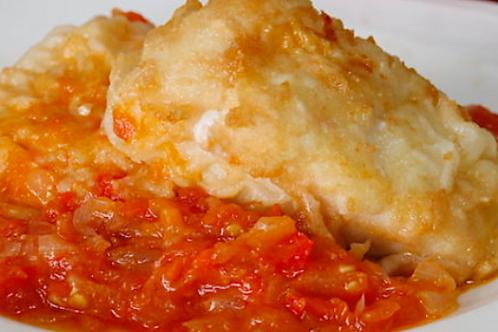 Lomo de bacalao confitado con tomate