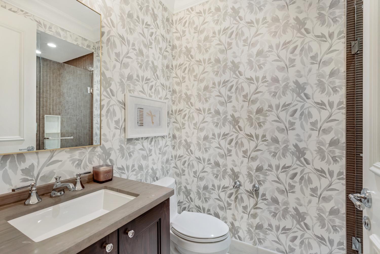 Suite 3806 Powder Room.jpg