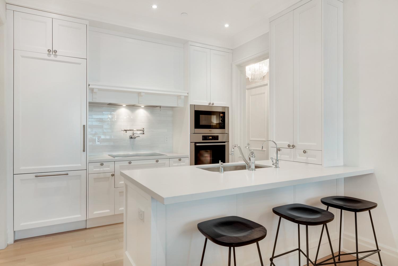 Suite 3806 Kitchen (b).jpg