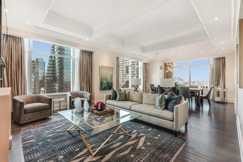 Suite 3501 Living Room.jpg