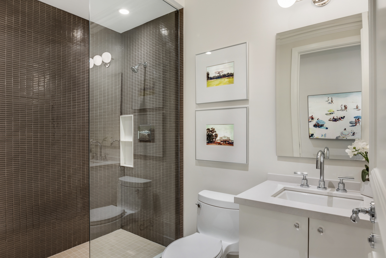 Suite 3501 Second Bath.jpg