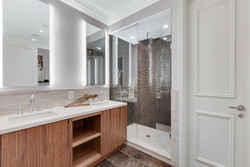 Master Bath - Suite 3901 - St. Regis