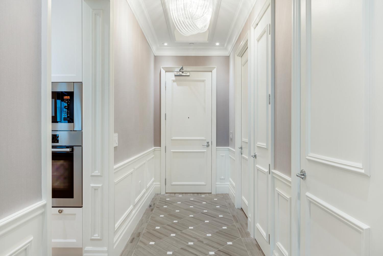 Suite 3806 Foyer (b).jpg