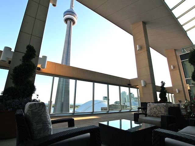 Ritz-Carlton | Toronto | Outdoor Space