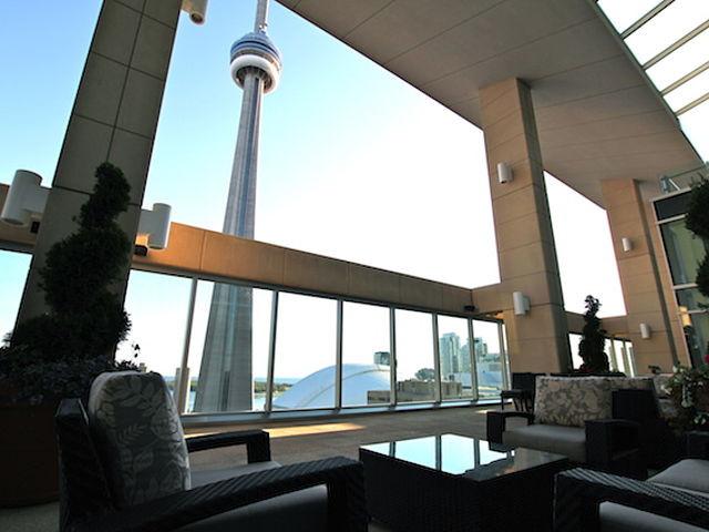 Ritz-Carlton | Toronto | Outdoor Space