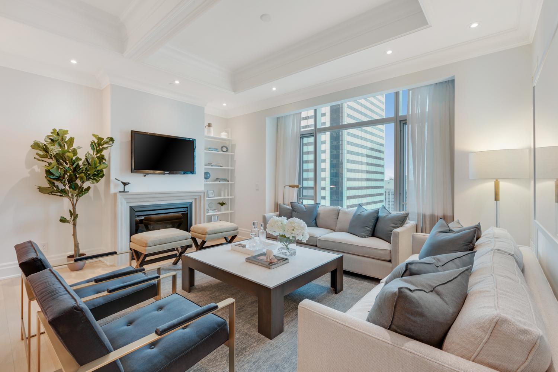 Suite 3806 Living West View.jpg