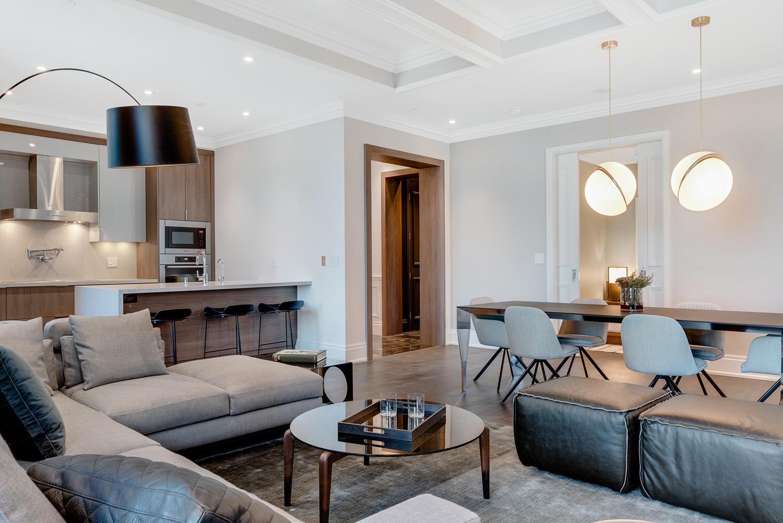 Living Dining - Suite 3901 - St. Reg