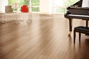 Vinly-Vinly-Plank-Flooring-6.jpg