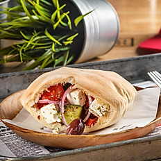 Греческий салат в пите