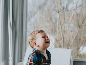 Зошто децата доживуваат тантруми?