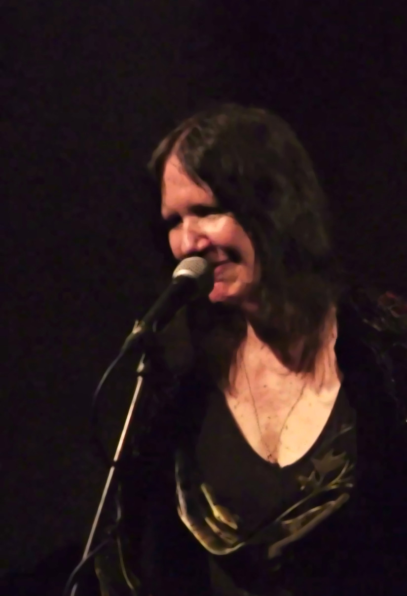 AMAZING NEVER BEFORE SEEN FOOTAGE OF JAZZ'S DARK CHANTEUSE PATTY WATERS PERFORMING SOLO IN 1974
