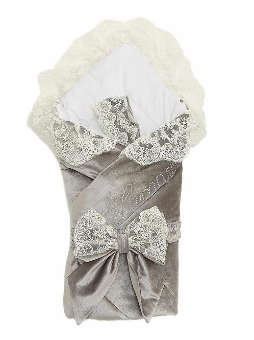 """Конверт-одеяло на выписку """"Блюмарим"""" (серый с молочным кружевом, стразами и бантом)"""
